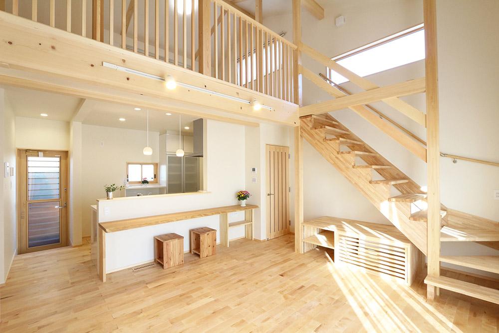 中二階のある平屋建て